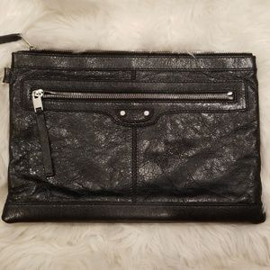 💯Authentic Balenciaga Distressed Leather Clutch
